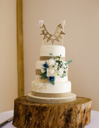 Rustic Barn Meadow Flowers Wedding Cake Keen For Cakes Cambridgeshire