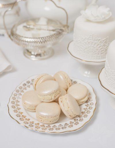 Macarons & Mini Cakes